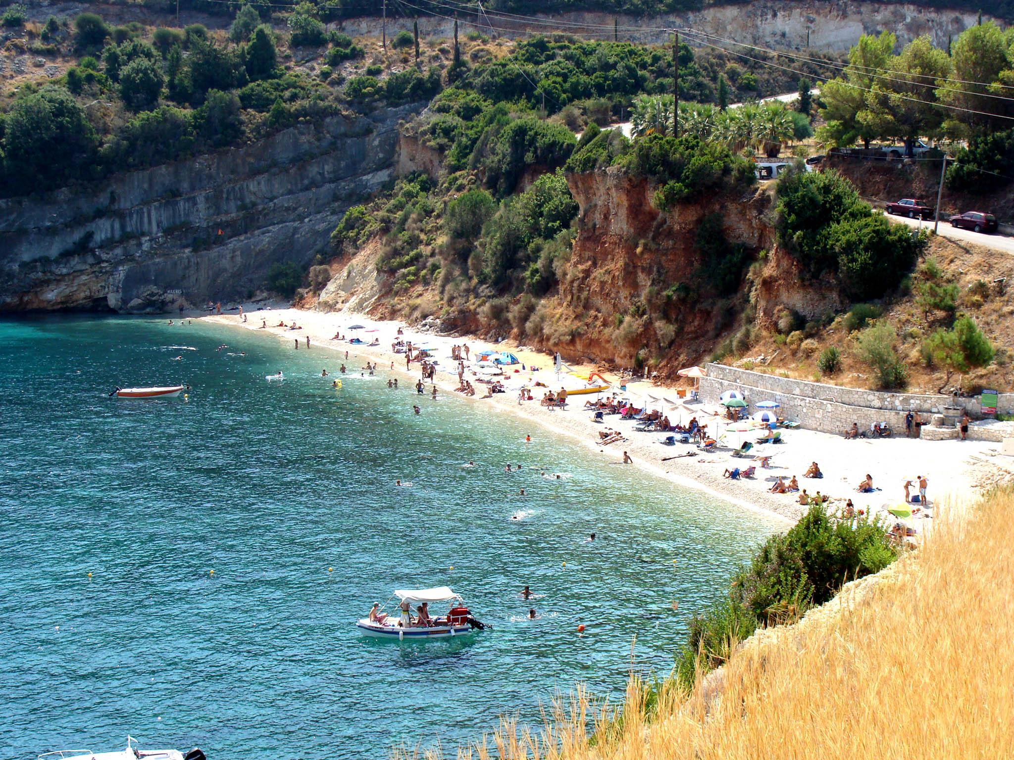 Makris Gialos Beach